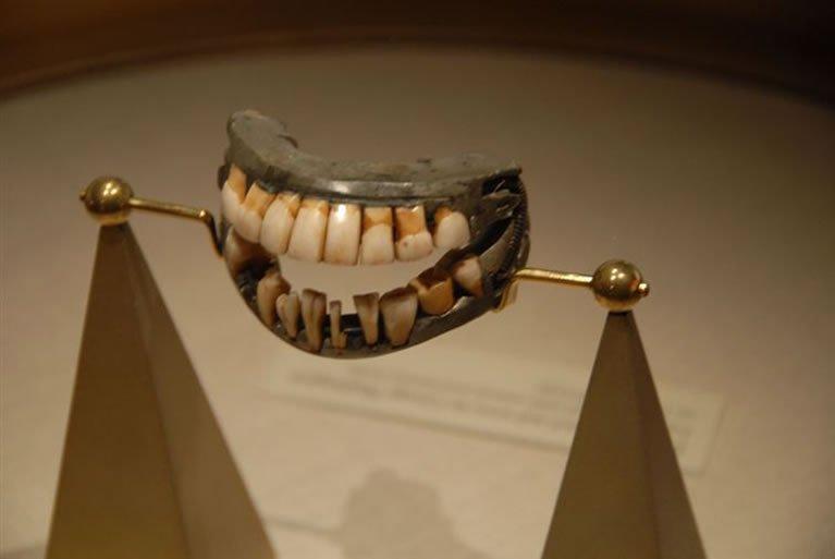 džordž-vašington-zubi