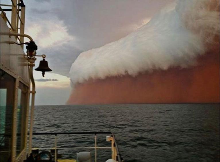 ogromna-peščana-oluja