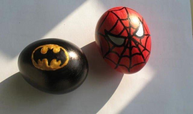 Ideje za ukrašavanje uskršnjih jaja (14) betmen i spajdermen