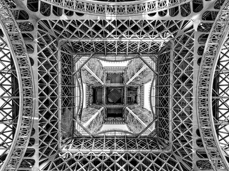Ispod Ajfelovog tornja, Pariz
