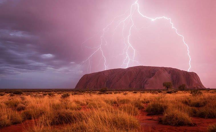 Strujni vid, Uluru, Australija