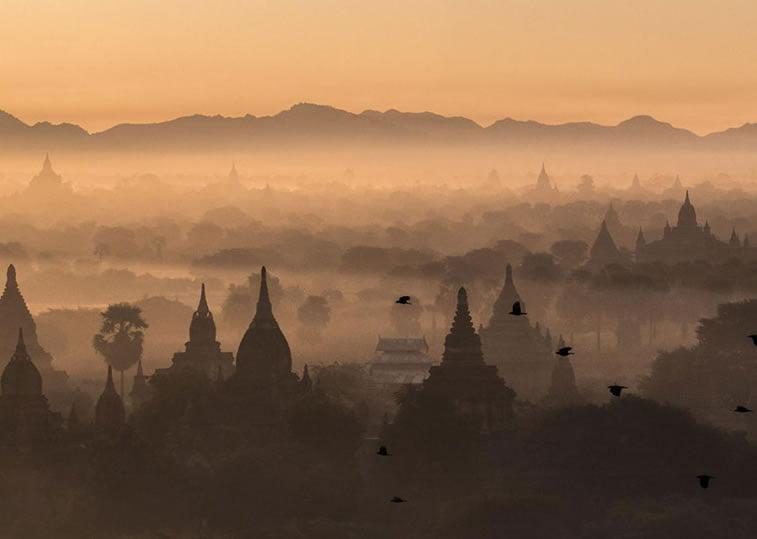 Svitanje iznad Bagana, Mjanmar