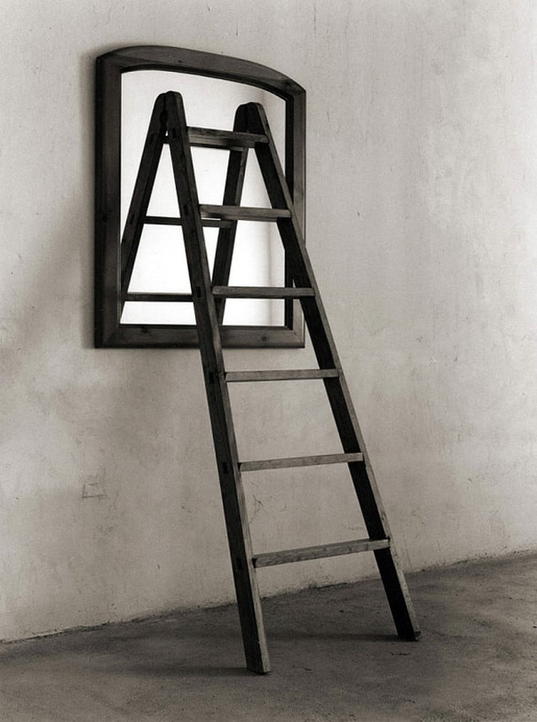 black 'n white mind bending optical illusions by Chema Madoz (19)