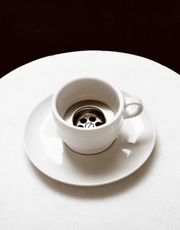 black 'n white mind bending optical illusions by Chema Madoz (5)