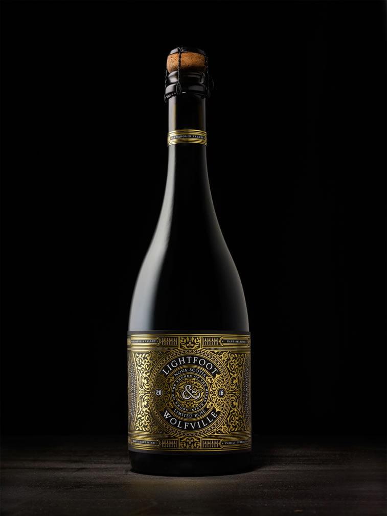 grafički dizajn etiketa za vino lightfoot wolfville