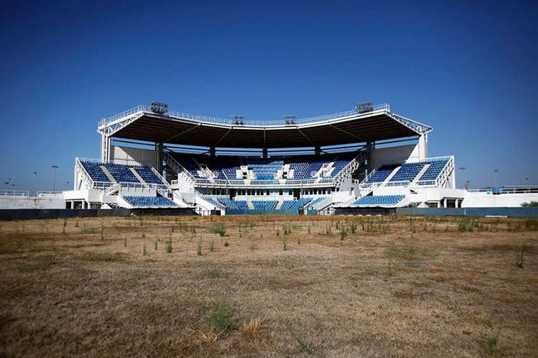 napušteno olimpijsko selo atina 2004 stadion za softbol