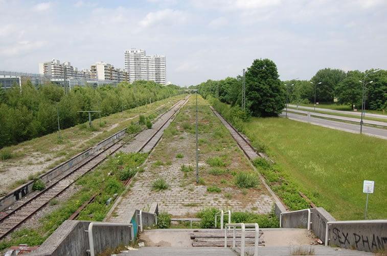 napušteno olimpijsko selo minhen 1972 železnička stanica u selu