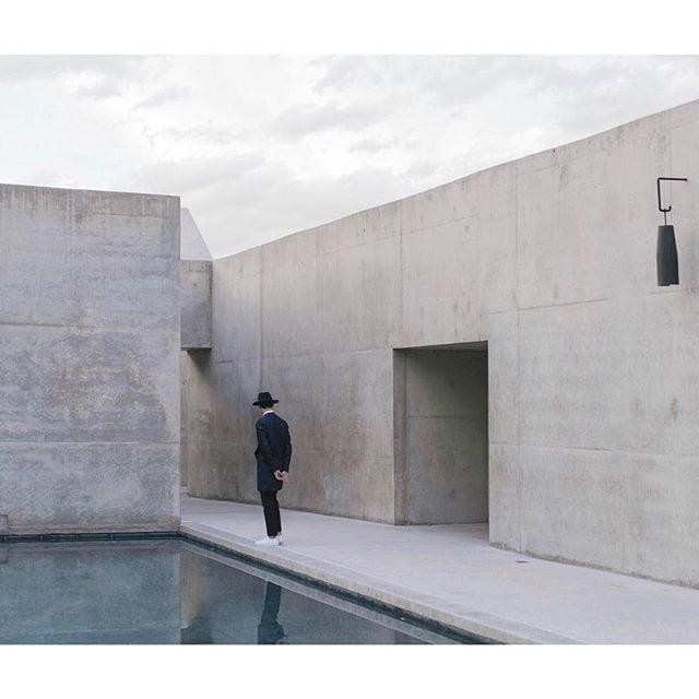 minimalist photos of urban architecture 11