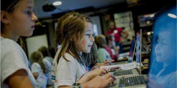 Girls coding Microsoft