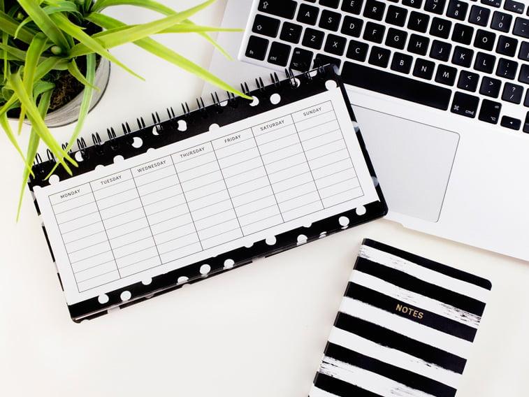 planer kalendar notes lap top