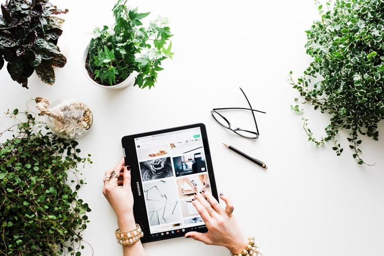 blogovanje tablet fotografije vebsajt unsplash
