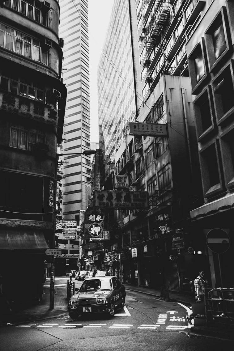 contrasts of hong kong 1 street photography