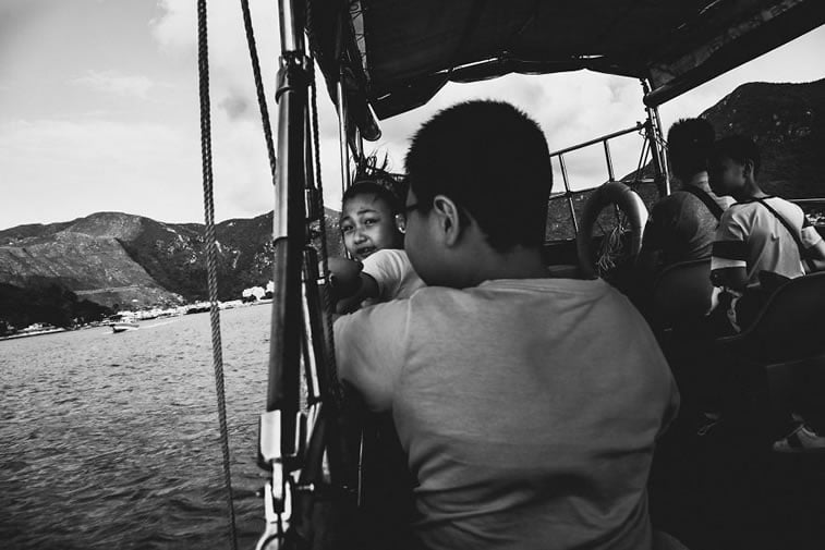 contrasts of hong kong 14 boat travelers