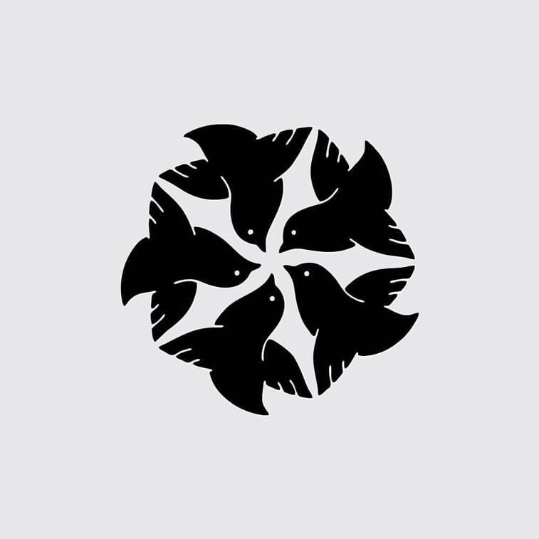logo silver lounge