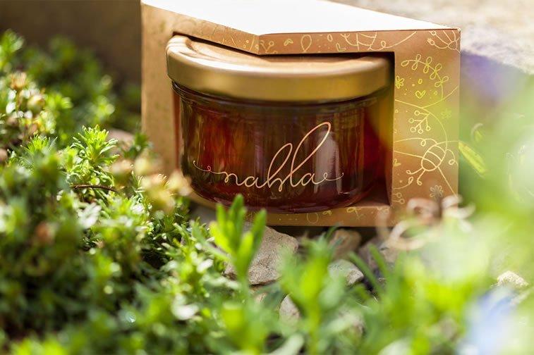 nahla organic honey packaging design 6