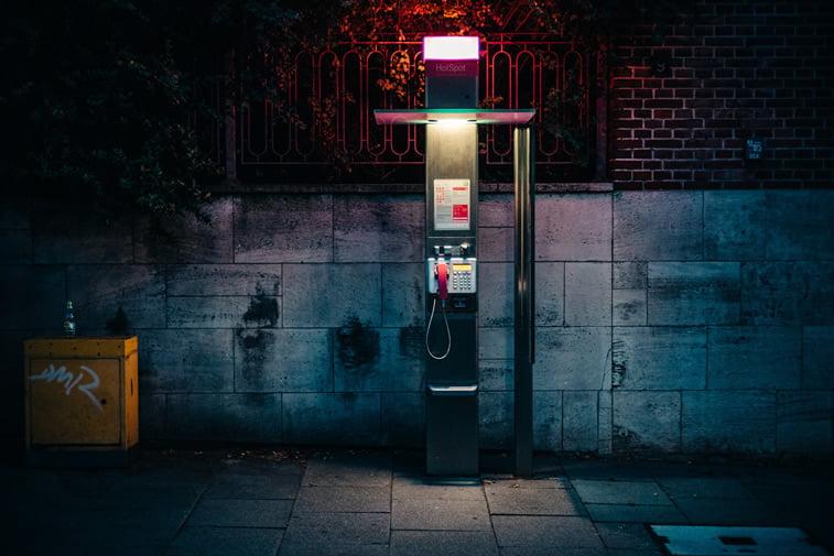 hamburg nocu fotografija telefonska govornica