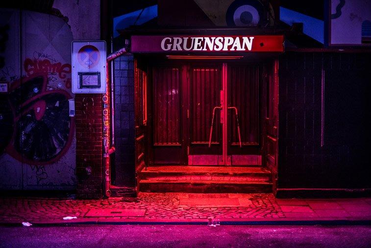 hamburg nocu fotografija ulaz u klub