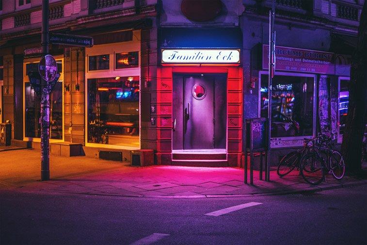 hamburg nocu fotografija ulaz na uglu
