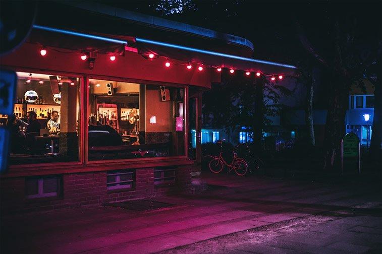 hamburg nocu fotografija restoran svetiljke