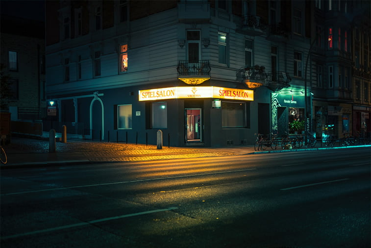 hamburg nocu fotografija na uglu
