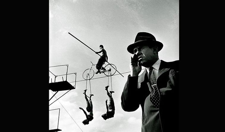 cirkus bicikl na zici balanser trapez