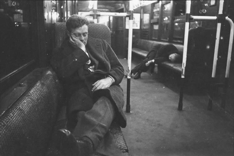 njujork metro noc muskarci spavaju