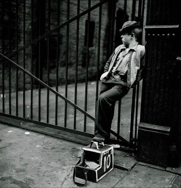 shoe shine boy njujork 1947 stenli kjubrik