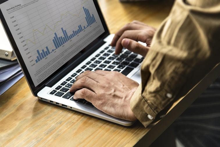 website performance metrics laptop