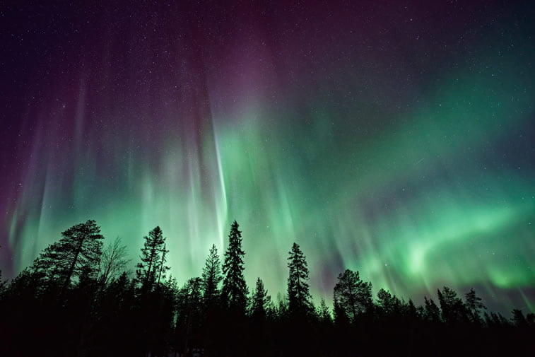 aurora borealis suma polarna svetlost slika za desktop