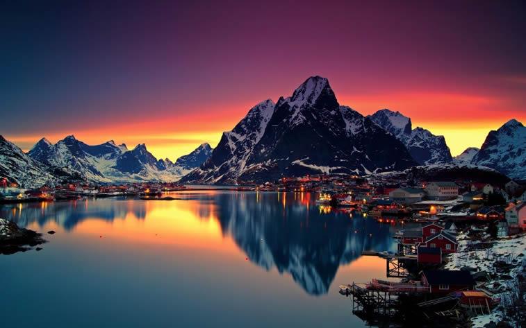 grad na jezeru suton zalazak sunca desktop pozadina