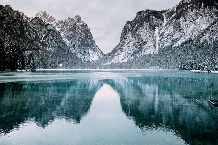 jezero zima planine sneg desktop slika