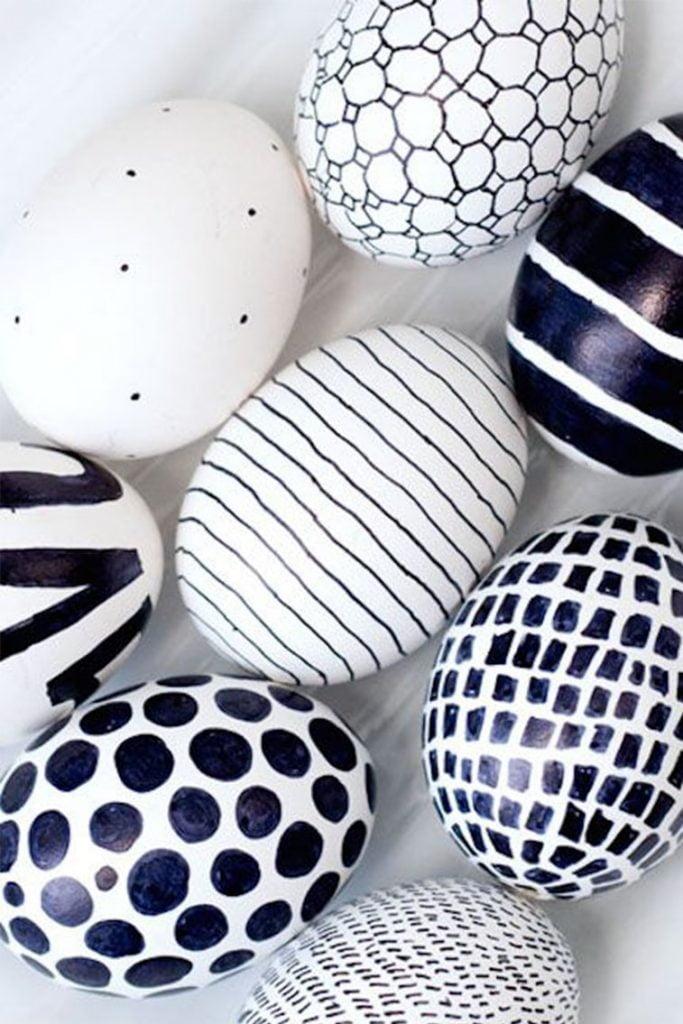 uskrsnja jaja ukrasavanje crno belo