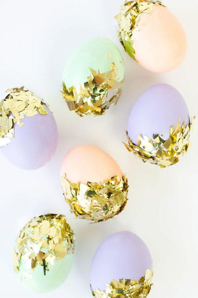 uskrsnja jaja ukrasavanje zlatni listici